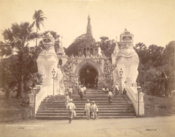 Entrance of Shwe Dagon Pagoda, Rangoon 8818